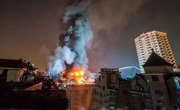 直击杭州大火:50多辆消防车出动救援