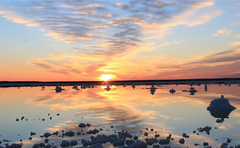 乌鲁木齐盐湖冬季