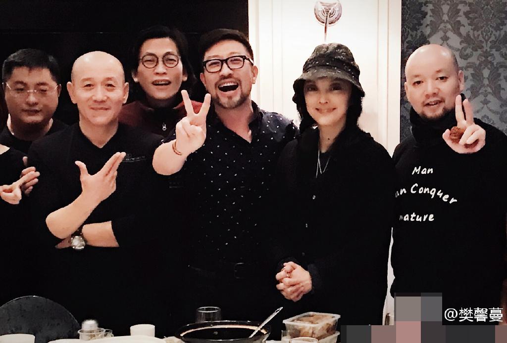 樊馨蔓自曝夺回纪中文化公司  与干儿子比V庆祝