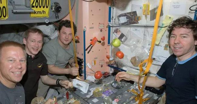 太空里吃什么?美国NASA做披萨 中国则热衷方便面