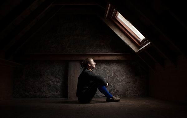 31岁妈妈携两娃自杀,产后抑郁祸首不只是激素变化