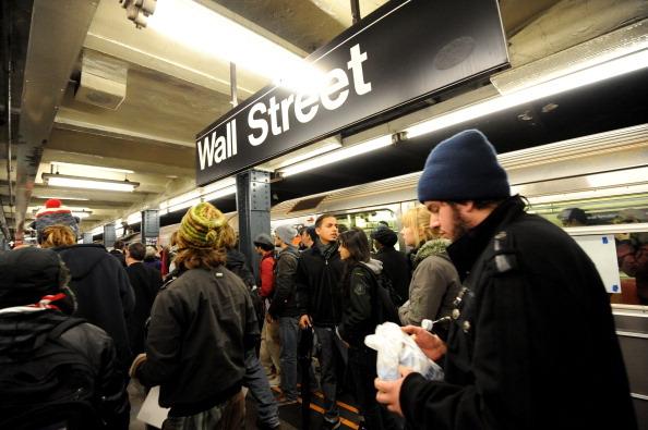 十年前的华尔街又回来了!近万岗位开10万美元底薪