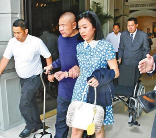 66岁刘銮雄连续两天去医院 第二次逗留6小时