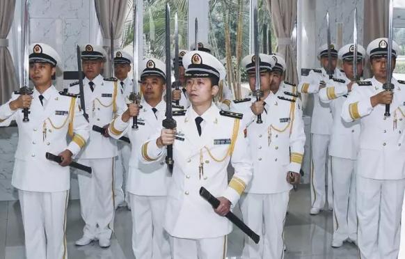 中国海军举行授剑仪式气势逼人  0.8米剑身藏玄机【组图】 - 春华秋实 - 春华秋实 开心快乐每一天