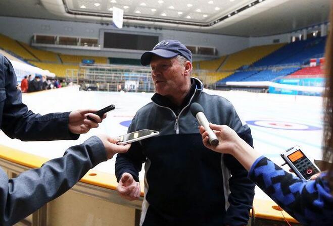 澳门银河娱乐场首都媒体探访赛事筹备 女子冰壶世锦赛18日开赛
