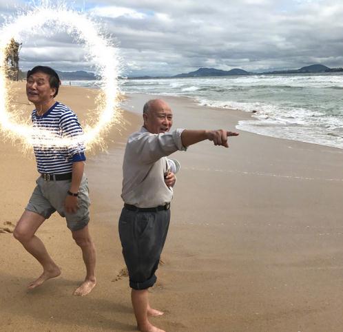 """张歆艺""""神坑爹""""吐槽爸爸颜值低 网友:果然亲女儿"""