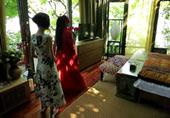 杨丽萍带鲁豫参观自家豪宅