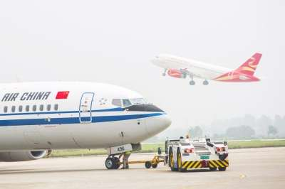 扬州泰州国际机场飞机你来我往已成常态