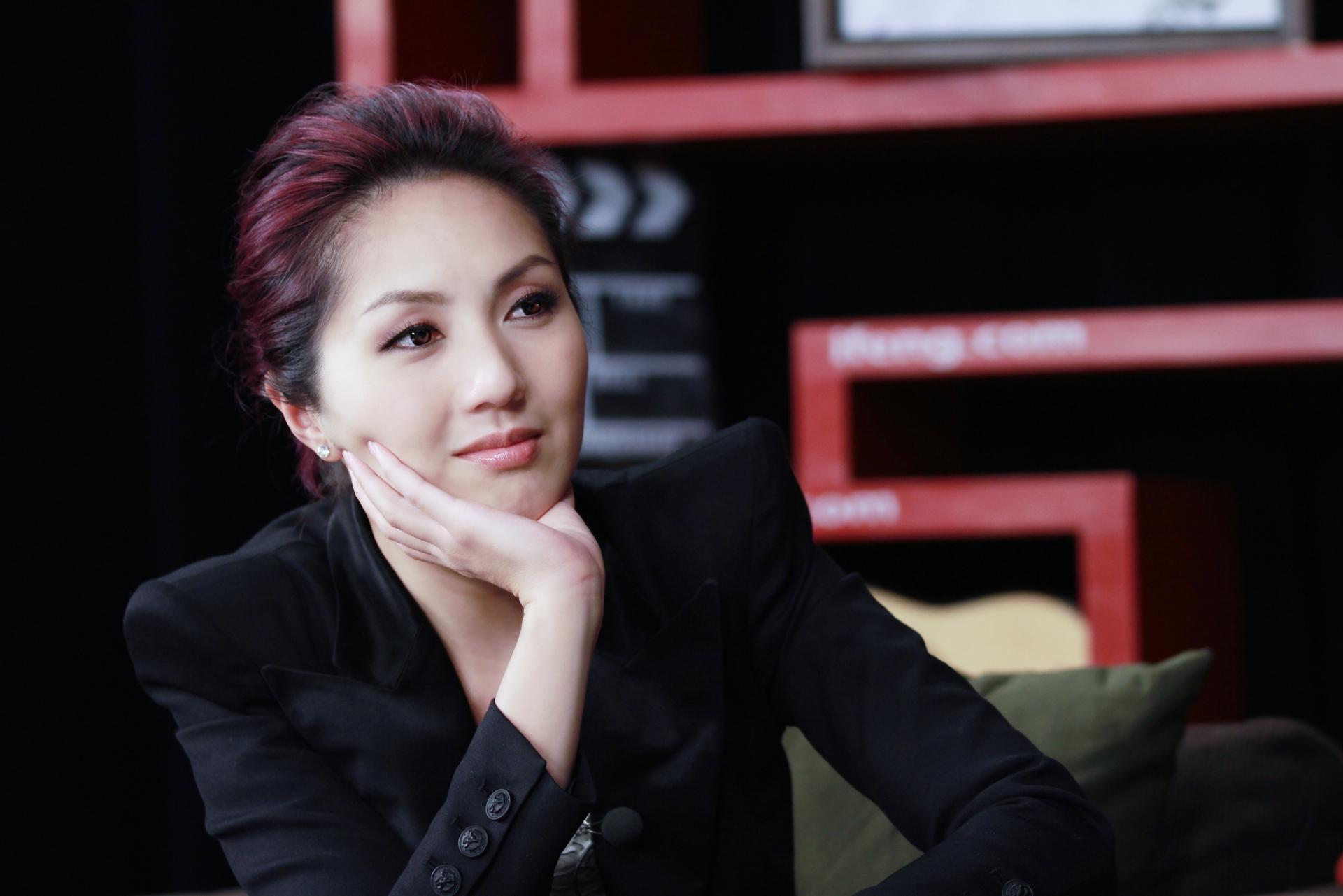 杨千嬅自述与老公相识过程 自豪从未缺席孩子成长