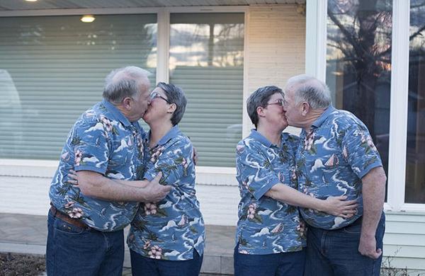 双胞胎兄弟娶双胞胎姐妹 四人同居24年 (组图)