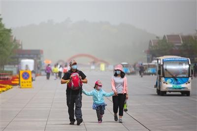 今年最强沙尘傍晚撤离京城 沙尘影响全国163万平方公里