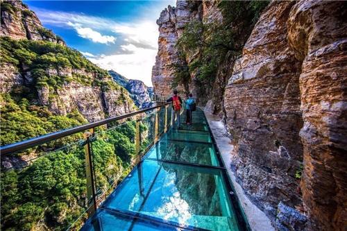 你或许不知道,悬空玻璃栈道只是白石山最具浪漫情愫的经典爱情路线