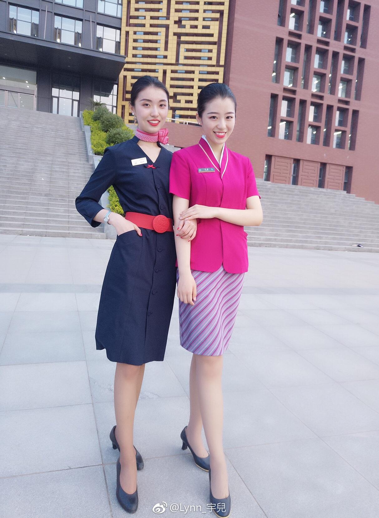 人家的专业 郑州准空姐拍毕业照 满屏都是大长腿图片