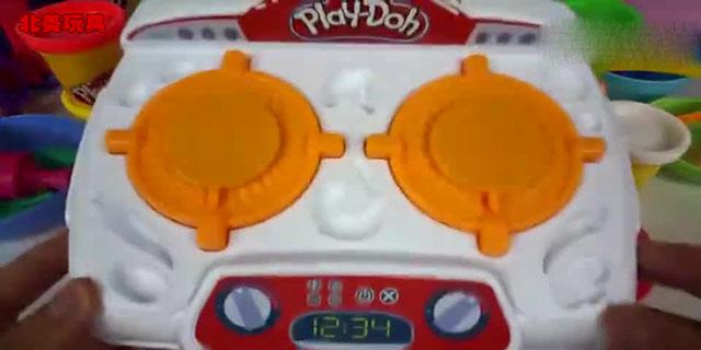 小猪佩奇和妈妈手工彩泥玩具螃蟹小视频