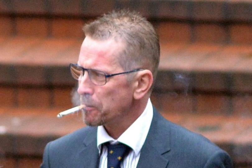 别再挑衅航空规定 英男子在飞机上抽烟被判十年