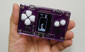全球最小俄罗斯方块游戏机 不敢用力怕捏碎