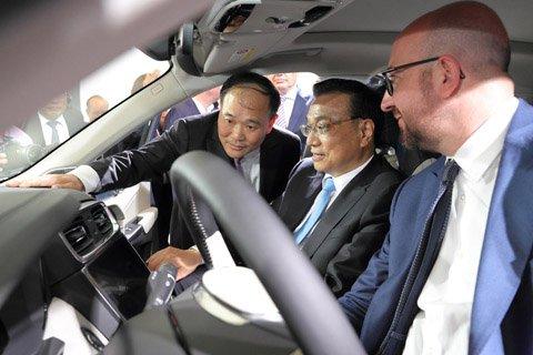 """这辆汽车""""牛""""在哪,李克强和比利时首相同乘体验?"""