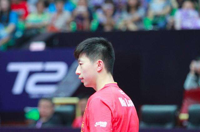 马龙许昕樊振东转发国乒致歉信:接受批评并道歉