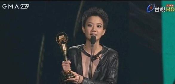 """女歌手宣布出柜:金曲奖领奖台上感谢""""我太太""""(图)"""