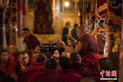 """晋升格西拉让巴夏季预考开考 西藏高僧迎来""""考"""