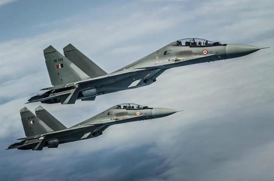 印度空军5年摔了29架飞机 飞行员还短缺
