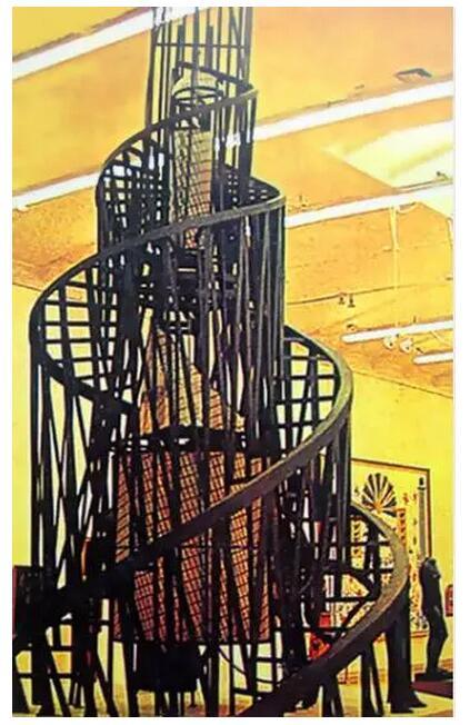 .塔特林设计的第三国际纪念塔模型-20世纪影响世界的50位著名设计图片