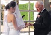 她说服父母 嫁大24岁练马师