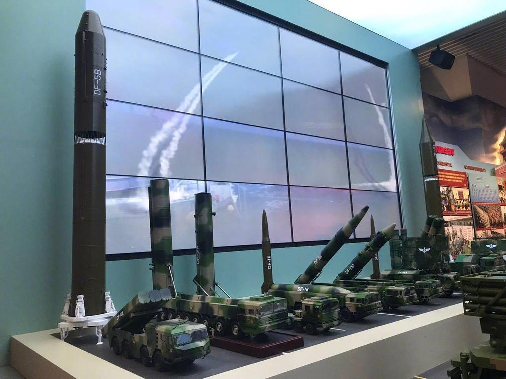 东风31AG首次在军博新展曝光 实现随时随地发射