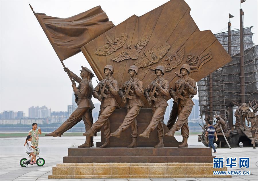 南昌建军雕塑广场向公众开放