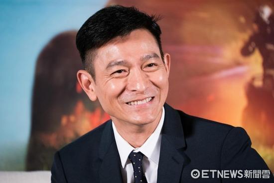 台湾名嘴爆料刘德华瞒婚隐情 竟与黑道威胁有关?