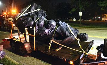 为防暴乱 美国城市连夜拆除这些雕像