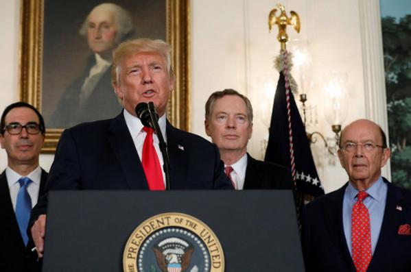 特朗普签署行政备忘录 发起对华贸易调查