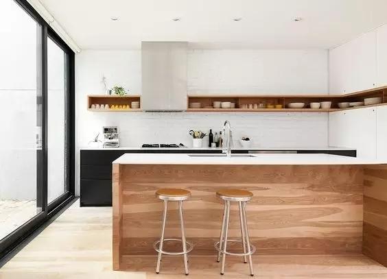长条型厨房装修效果图