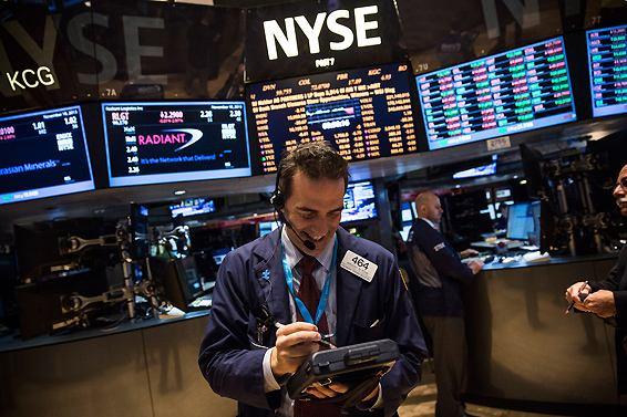 美国三大股指连续两天创新高 黄金下挫、原油大涨