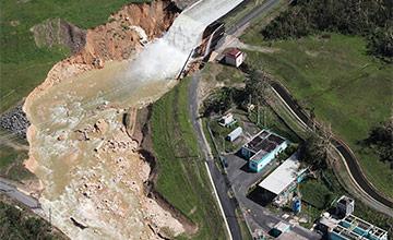 飓风致波多黎各水坝溃决 隔壁是村庄