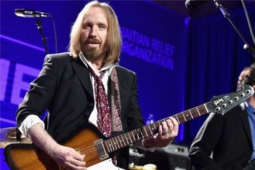高手美国摇滚歌手汤姆・佩蒂去世 享年66岁