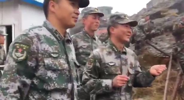 """游戏王zexal67印防长与解放军边防官兵面对面交流 互问""""你好"""