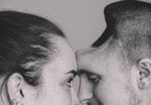 丈夫终身残疾 妻子怀孕9月…