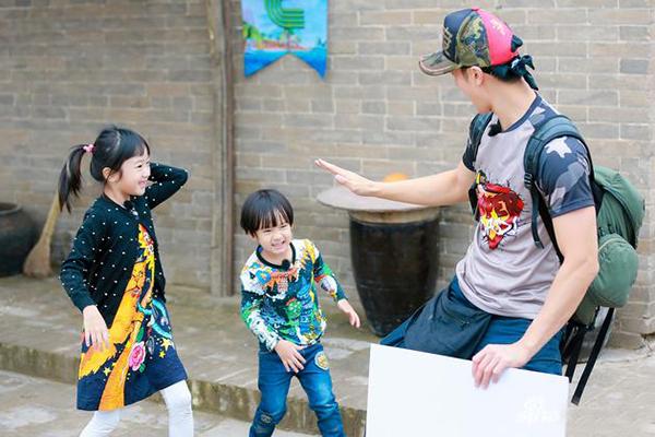 吴尊:想看杨洋当实习奶爸 不会给小孩规划人生路