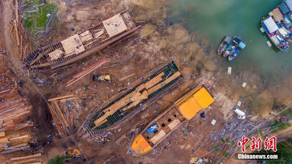 海南造船厂手工打造百吨木船 被列非遗名录