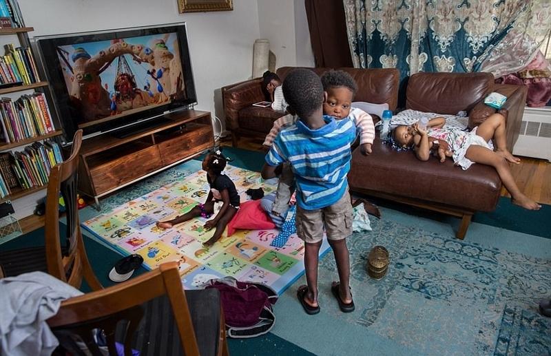 美摄影师展示患罕见病儿童生活常态