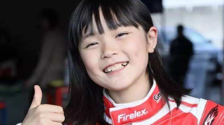 11岁女孩成赛车手 女孩赛车能不能玩