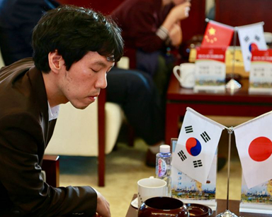 """棋手的""""沉思""""——中日韩三国围棋半决赛图片集锦"""