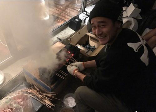 蒋劲夫晒烧烤照片 网友惊呼:这还是人气偶像吗