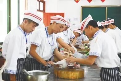 海南职教重点专业产教学融合 学生毕业就上岗