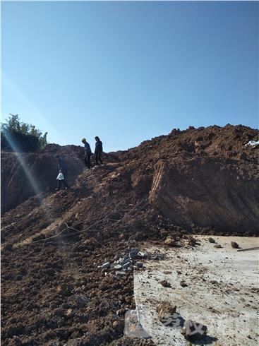 祖坟被开发商挖毁
