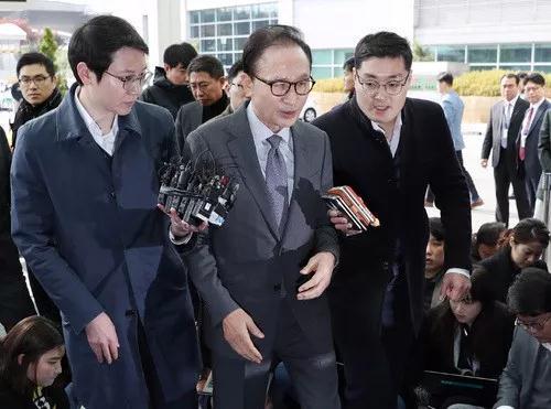 又一个韩国总统被查!