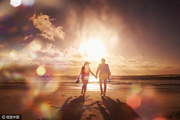 开放式婚姻:男人大胆放开,女人假装很好