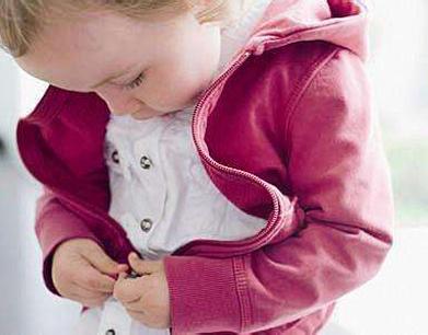 初冬时节 孩子怎么穿衣最健康