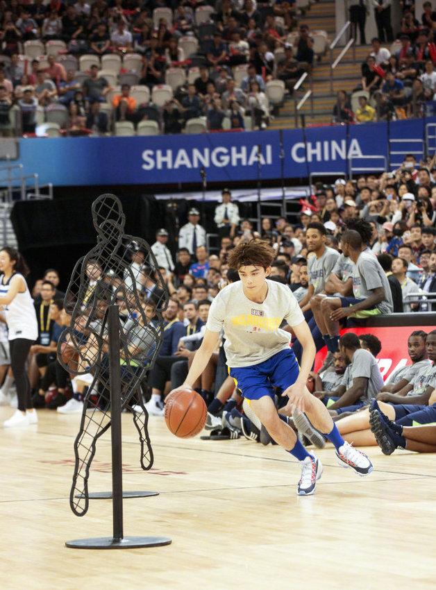 吴磊出任篮球大使 引微博粉丝关注